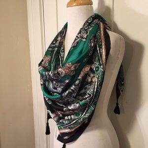 Large square scarf with tassels blue green design